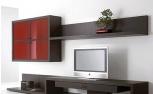 Solo en dos muebles se aprecian varias utilidades y piezas escondidas del mismo, como el cajo, debajo del televisor